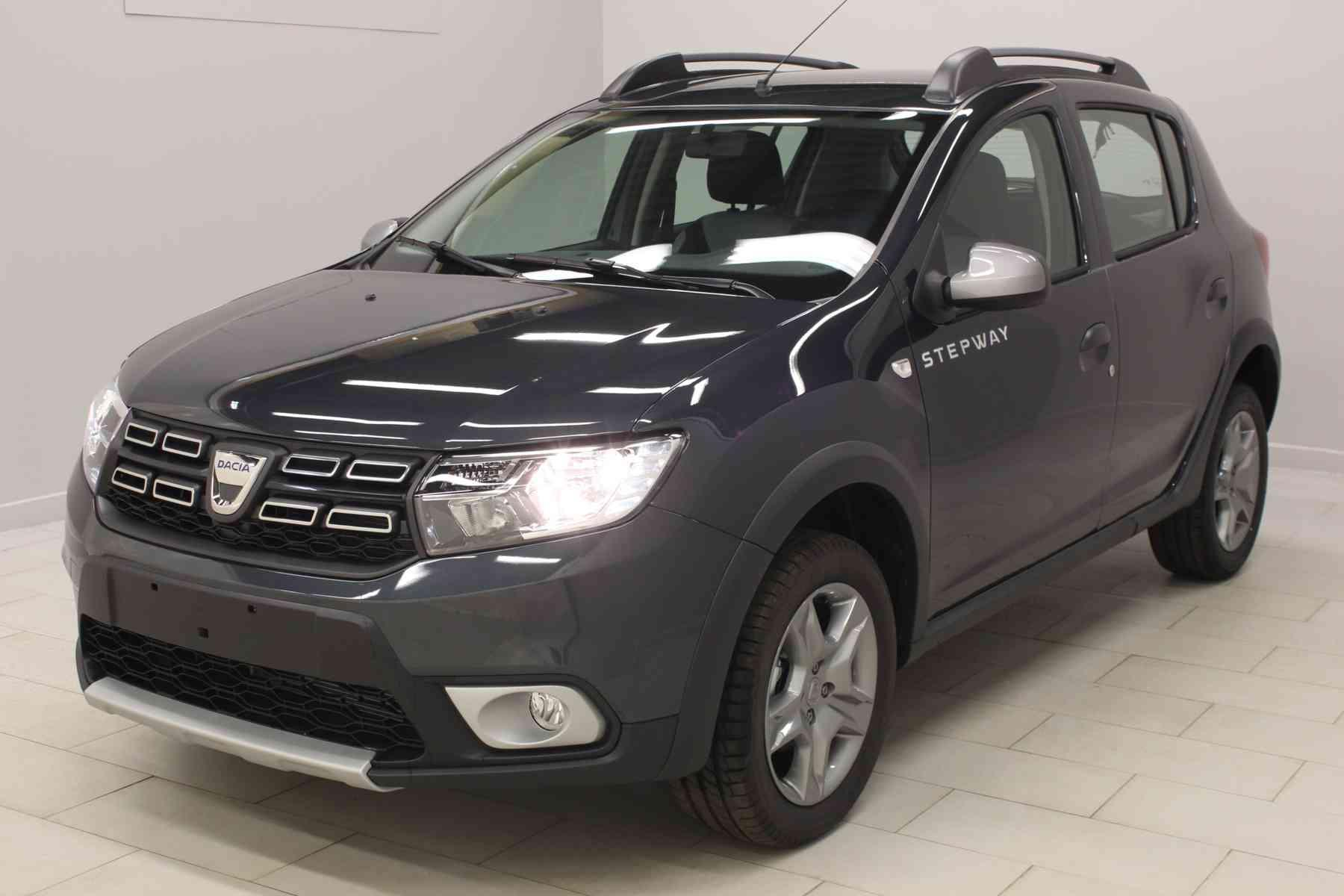 dacia sandero nouvelle dci 90 stepway gris com te cam ra de recul roue de secours avec. Black Bedroom Furniture Sets. Home Design Ideas